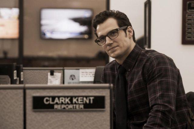 Clark Kent bekommt als Reporter mehr zu tun. (Quelle: © Warner Bros. Pictures Germany)