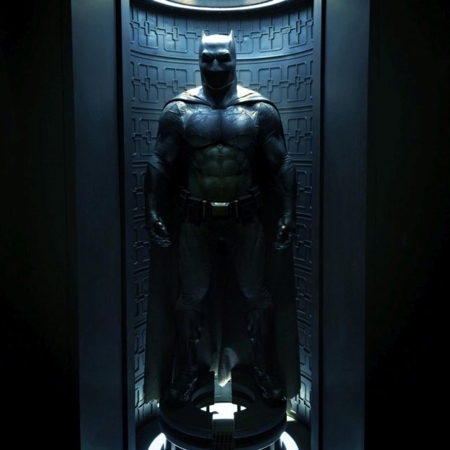 Batmans Kostüm in Batman v Superman - Dawn of Justice (Quelle: © Warner Bros. Pictures Germany)