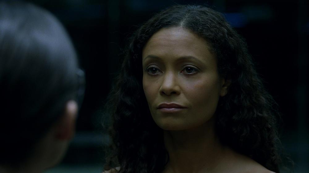Host Maeve steht im Zentrum der zweiten Episode (Quelle: © HBO)